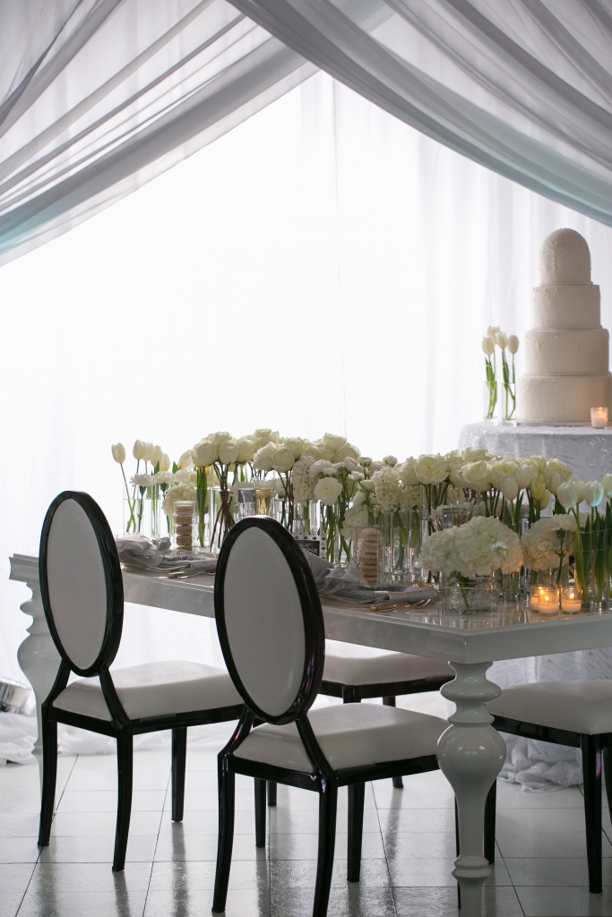 Art of the Table White Tablescape